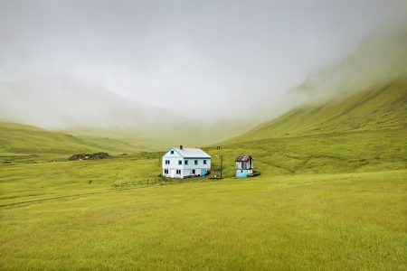 LONE HOUSE -FAROE ISLANDS -2018